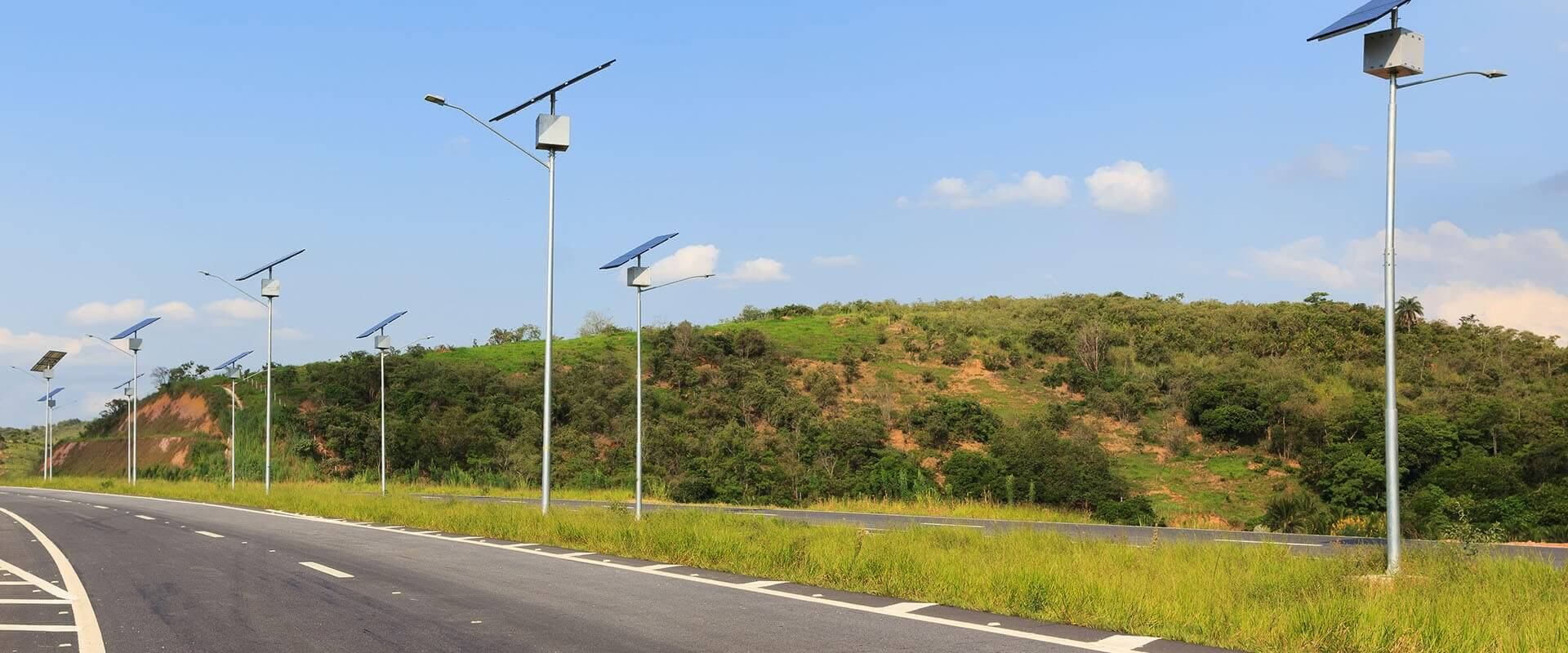 solar street light in highway