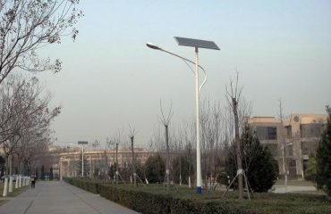 solar street light vs led street light