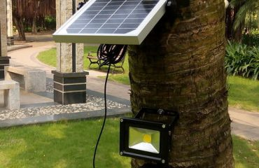 Solar Flood Light for Landscape