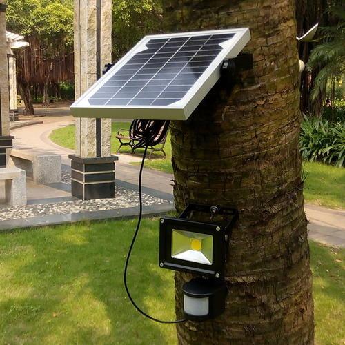 Solar Flood Light for Landscape